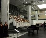 Akademski hor Collegium Musicum, dirigent: Dragana Jovanović i kompozitor Rajko Maksimović