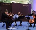 Gudački kvartet Gudača Svetog Đorđa (Beograd) Mladen Drenić i Miljana Popović, violine, Ljubomir Milanović, viola, Srđan Sretenović, violončelo