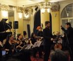 Ansambl Gradilište i dirigent Rade Pejčić izvode kompoziciju