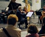 Jacques Ghestem, violina; Claire Merlet, viola; Baldassare, violončelo; Jean-Marie Cottet, klavir;