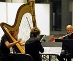 Jean-Luc Menet, flauta; Claire Merlet, viola; Valeria Kafelnikov, harfa
