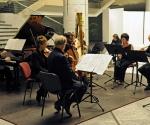 Jean-Luc Menet, flauta; Chiaki Tsunaba, clarinet; Jacques Ghestem, violina; Claire Merlet, viola; Frédéric Baldassare, violončelo; Jean-Marie Cottet, klavir; Valeria Kafelnikov, harfa