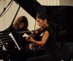 Neda Hofman, klavir Maja Milanović, viola