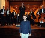 kompozitor Stanko Simić prima aplauze (kompozicija Posmatranje neba)