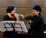 Duo Madlen Stokić-Vasiljević i Marija Misita, violine