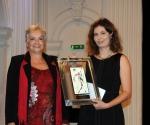 Zorica Premate sa dobitnicom Nagrade Nedom Hofman Sretenović