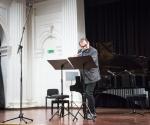 Flautista Ljubiša Jovanović izvodi delo Milane Stojadinović Milić