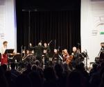 Kompoziciju Sundji Hong izveli su članovi ansambla Gradilište, Mina Marković, sopran i dirigent Ivan Marković