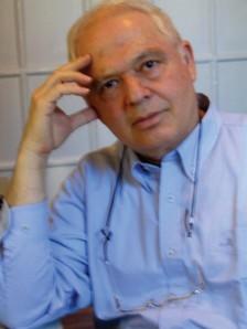 Menahem Zur