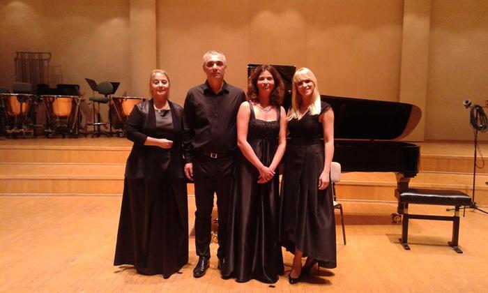 Marina Nenadovic, flauta, Srdjan Sretenović violončelo, Neda Hofman, klavir i Ana Radovanović, mecosopran